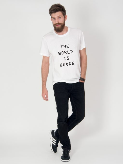 Tricou-barbati-THE-WORLD-IS-WRONG-(2)